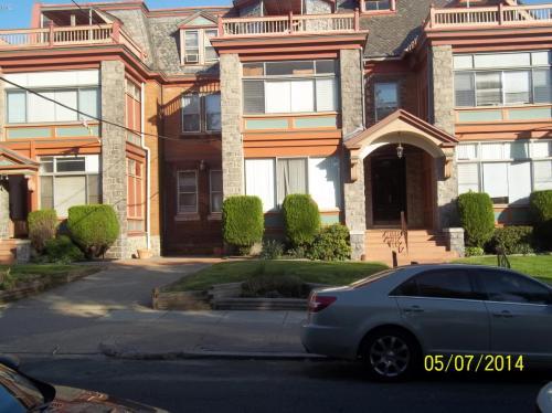 5006 Penn Street #B6 Photo 1