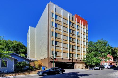 908 W 21st Street Photo 1