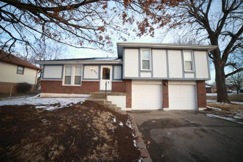 16717 Spring Valley Road Photo 1