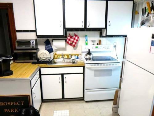 322 Highland Avenue Photo 1