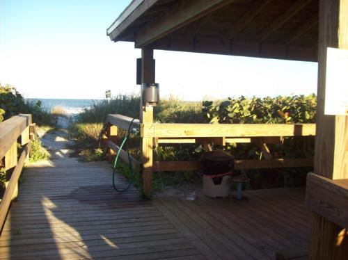 7430 S Ocean Drive Photo 1