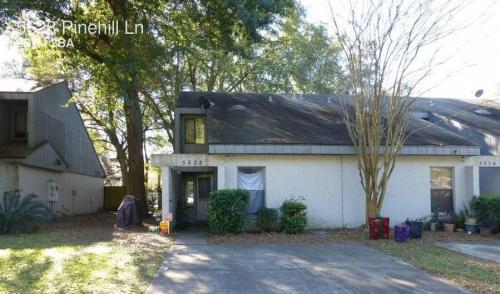 5628 Pinehill Lane Photo 1