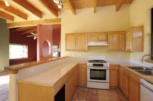 2330 Camino Rancho Siringo Photo 1