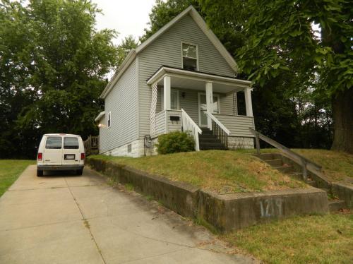 1219 Moore Street Photo 1