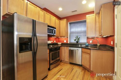 1430 N Maplewood Avenue Photo 1