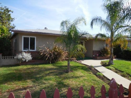7408 Baird Ave Guest House Photo 1