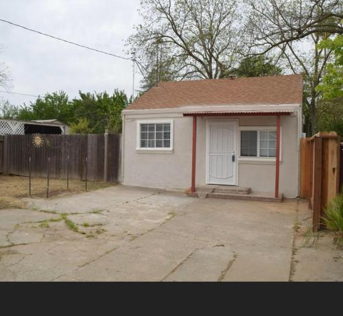 4000 San Carlos Way Photo 1