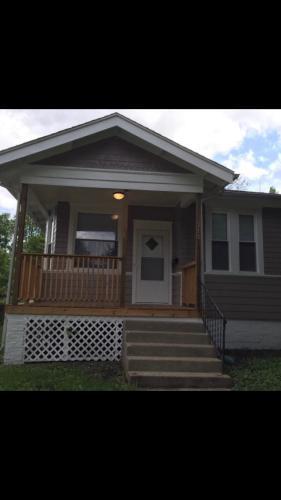210 W Cedar Street Photo 1
