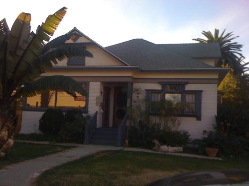 848 E Santa Clara Street Photo 1