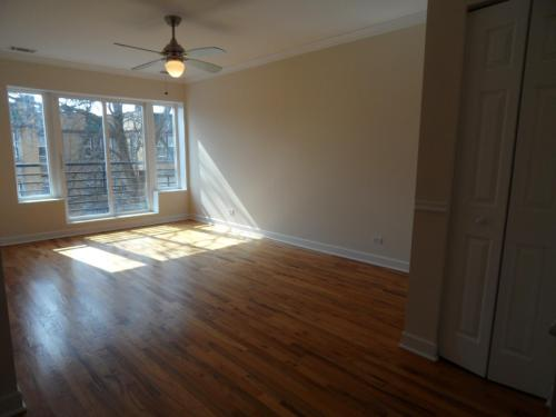 2552 W Rosemont Avenue #3RD FLOOR Photo 1