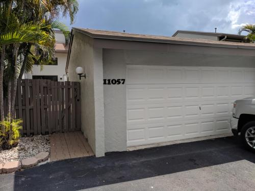 11057 SW 113th Place Photo 1