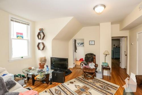 N Sawyer Avenue Logan Square Chicago Il Apartment Unit For Rent