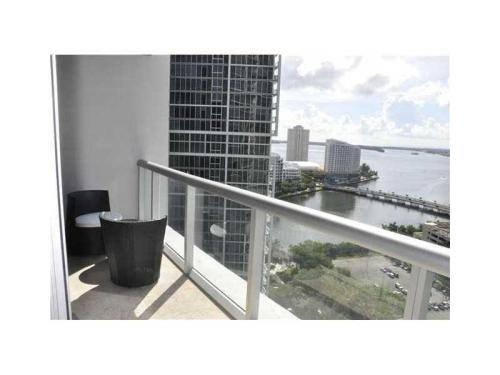 485 Brickell Avenue Photo 1