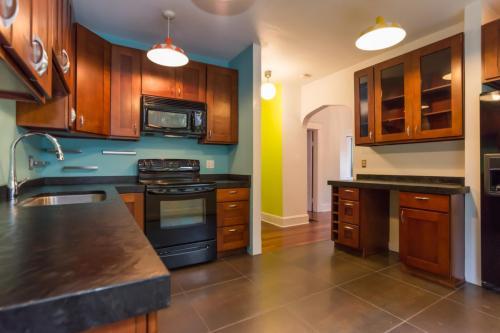 4022 4th Avenue NE Photo 1