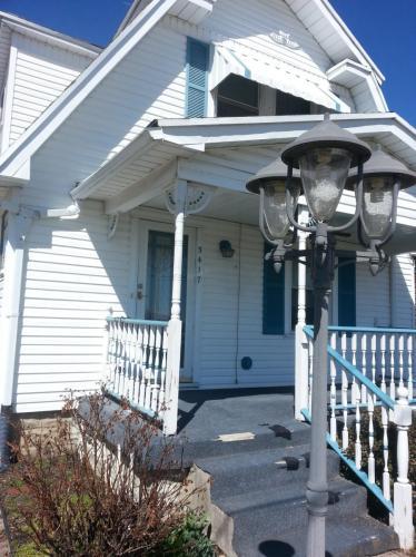5417 Huberville Avenue Photo 1