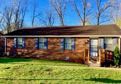 2352 Cooper Terrace Photo 1