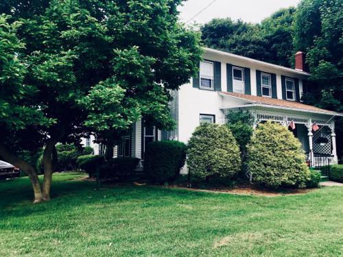 5655 W Henrietta Road #UPSTAIRS HOUSE Photo 1