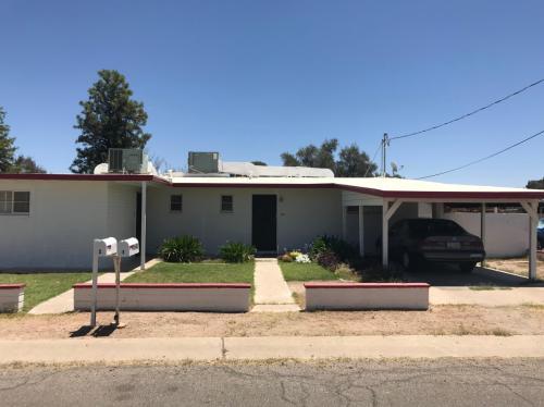 3940 N Pomona Road Photo 1