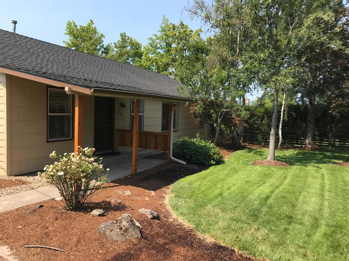 3268 Lone Pine Road Medford Or 97504 Hotpads