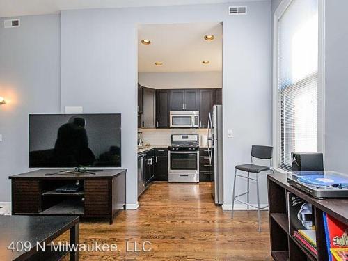 409 N Milwaukee Avenue #2 Photo 1