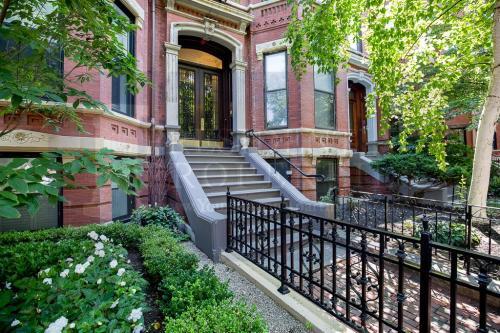 138 Marlborough Street #BF Photo 1