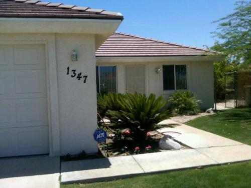 1347 Carpenteria Photo 1