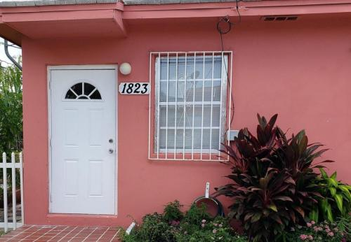 1821 SW 7th Street #1823 Photo 1