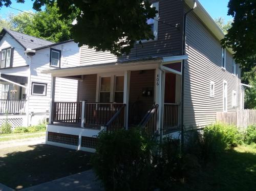 406 W Buffalo Street #1 Photo 1