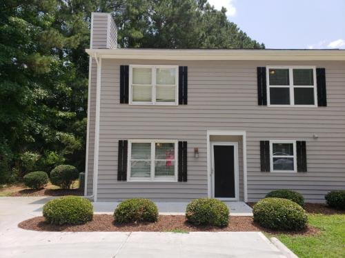 901 Timber Drive #A Photo 1