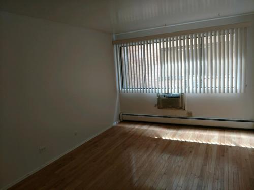 5515 S Cornell Avenue Photo 1