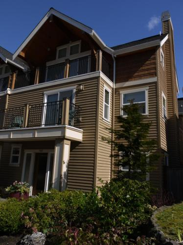 3403 E Spring Street Photo 1