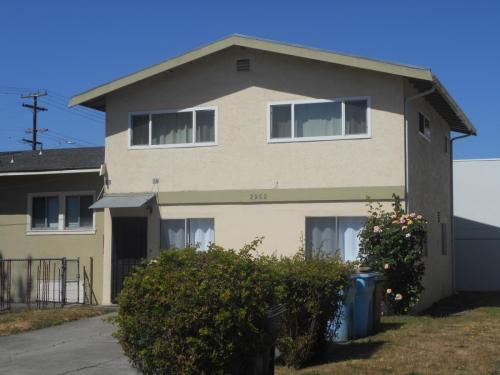 2952 Stanton Street Photo 1