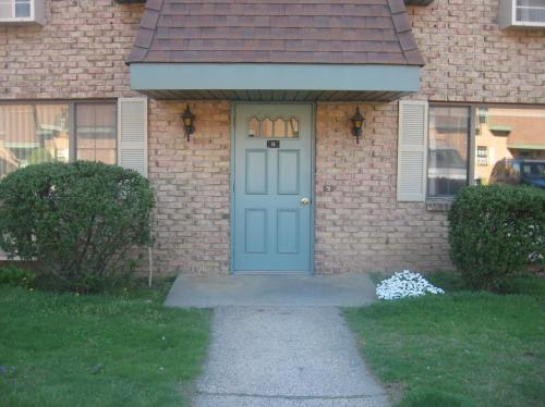 549 Russell Road #16B Photo 1