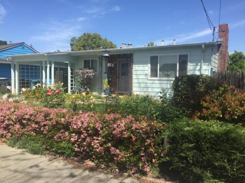 855 Dwight Avenue Photo 1