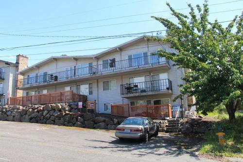 15425 9th Avenue SW Photo 1