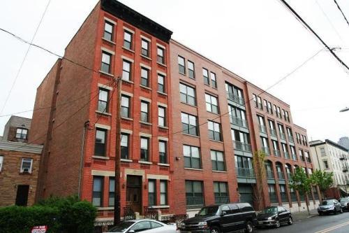 228 Montgomery Street #4 Photo 1
