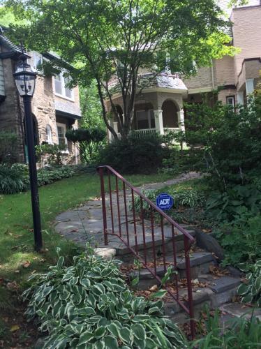 38 W Gowen Avenue Photo 1