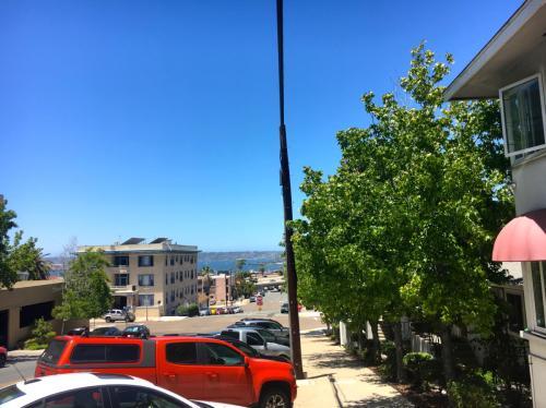 130 Grape Street Photo 1