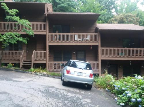 303 Buck Cove Terrace Photo 1