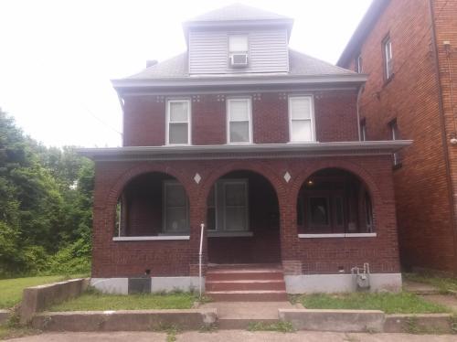133 W 13th Avenue Photo 1