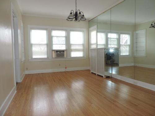 1204 Harvard Terrace #1 Photo 1