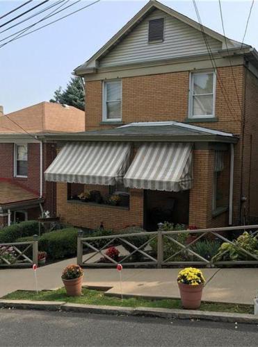 1645 Fallowfield Avenue Photo 1