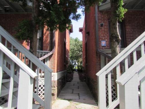 115 Wethersfield Avenue Photo 1