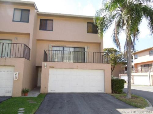 8661 SW 154th Circle Place Photo 1