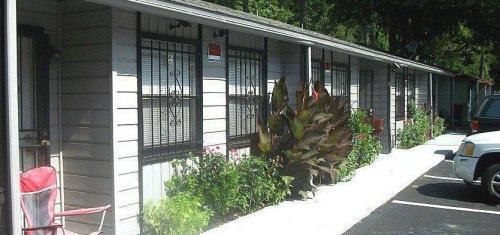 914 SW 62nd Terrace #B Photo 1