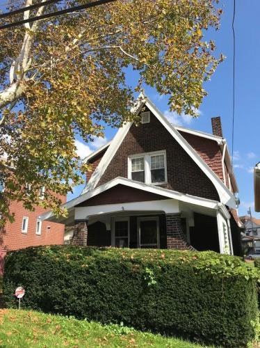 318 Mercer Street Photo 1