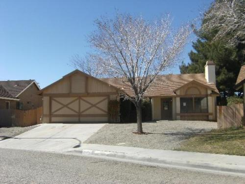 43105 Victorville Place Photo 1