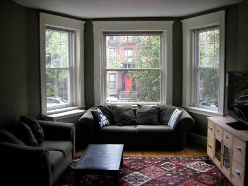 520 Beacon Street #3B Photo 1