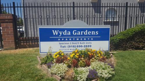 2119 Wyda Way Photo 1