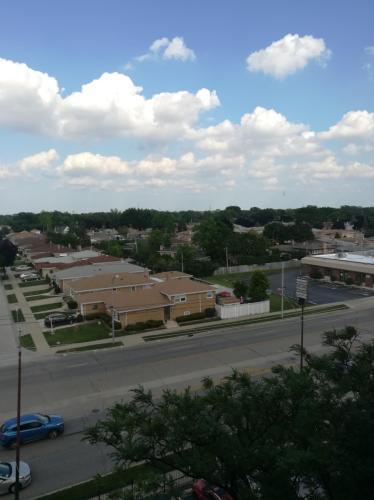 4600 N Cumberland Avenue Photo 1